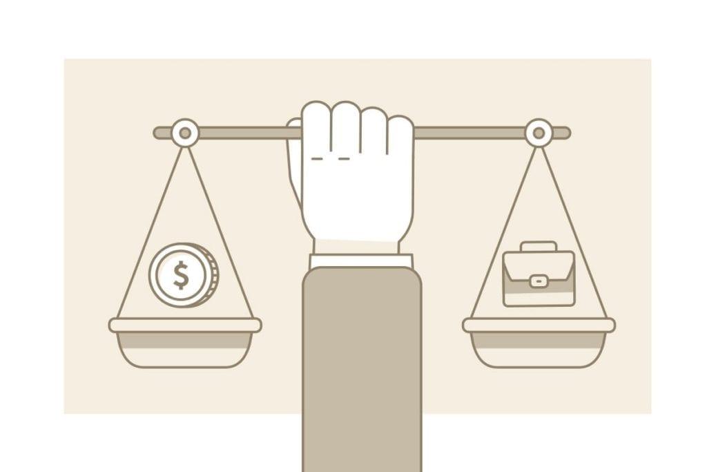 Balanza entre dinero y portafolios